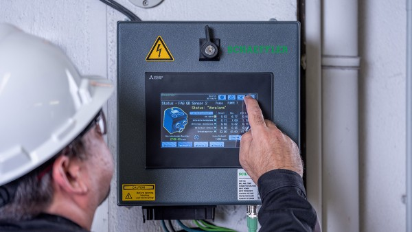 As a preconfigured plug-and-play system, the SmartQB requires no previous knowledge of condition monitoring.